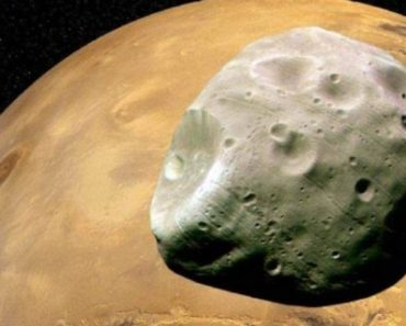 Цікаві факти про супутники Марса